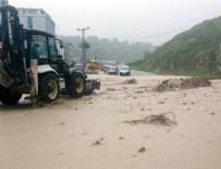 SAĞNAK YAĞMUR - Ordu'da sel köprüleri yıktı, mahsur kalan 165 işçi kurtarıldı