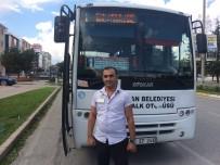 CEM KILIÇ - Otobüs Şoförü, Kendisine Tepki Gösteren Yolcuyu Hastaneye Yetiştirdi