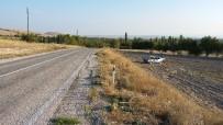 Günyüzü' Nde Trafik Kazası, 1'İ Ağır 2 Kişi Yaralandı