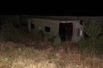 Otobüs Şarampole Devrildi Açıklaması 2 Ölü, 22 Yaralı