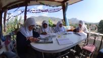 Balkonu Sınıfa Çeviren 80'Lik Ninelerin Okuma Azmi