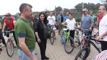 Sarıeroğlu, Partililerle Bisiklet Sürdü