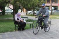 Gençlere Örnek Olmak İçin Bisikletiyle Yola Çıktı