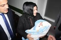 BARıŞ DEMIRTAŞ - Diyarbakır'da 2019'Un İlk Bebeği Nisanur Bebek Oldu
