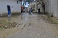 ZEKİ AYDIN - Tekirdağ'da Dere Taştı, Mahalleyi Su Bastı
