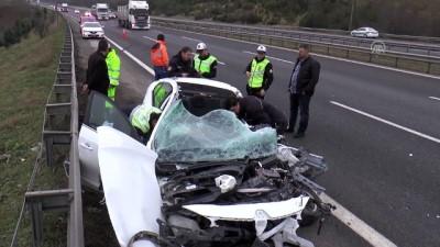 Düzce'de Zincirleme Trafik Kazası  Açıklaması 1 Ölü, 1 Yaralı