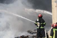 HUZURKENT - Çakmak Fabrikasındaki Yangın Kontrol Altına Alındı