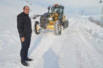 Ağrı'da Kapanan Köy Yollarında Hummalı Karla Mücadele Çalışması