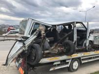 BURAK DENİZ - Karayolunda Kepçe Dehşeti Açıklaması 5 Yaralı
