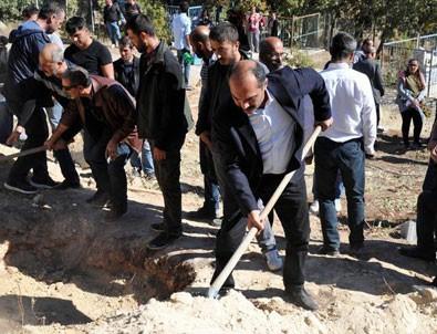 HDP'li vekiller terörist cenazelerinin baş aktörü oldu