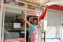 SIYONIST  - Mahalle Esnafından Harekata Türk Bayraklı Destek