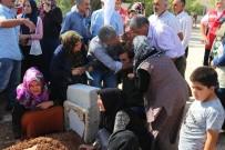KOBANİ - Suruç'taki Roketli Saldırıda Ölenlerden Şıh Güzel, Son Yolculuğuna Uğurlandı