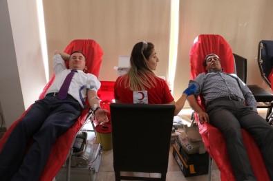 Hatay Büyükşehir Ve HATSU'dan Mehmetçik İçin Kan Bağışı