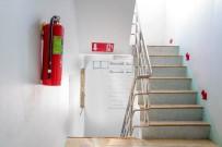 SİGORTA ŞİRKETİ - 'Yangın Merdiveni Kapısını Kilitli Tutmak Hayati Risklerin Yaşanmasına Neden Oluyor'