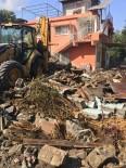 AHMET DEMIRCI - Erzin'de Metruk Binalar Yıkılıyor