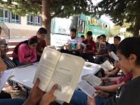 GEZİCİ KÜTÜPHANE - Öğrenciler Gezici Kütüphaneyle Buluştu