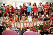 YUSUF YıLMAZ - Alanyaspor Öğrencilerle Buluştu