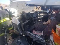 ESKIGEDIZ - Gediz'de Trafik Kazası Açıklaması 9 Yaralı