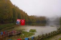 KRATER GÖLÜ - Doğa Harikası Ulugöl'de Sonbahar Renkleri