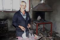 BAYHAN - 40 Yıllık Demir Ustası, Hurdadan Malzeme Üretiyor