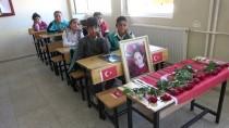 ATEŞ ÇEMBERİ - Şehit Öğrenciler Okullarında Anıldı