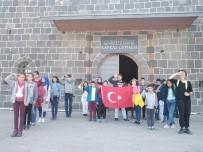 YETİM ÇOCUKLAR - '1 Çocuk 1 Dünya Projesi Kapsamında' Çocuklar Kars'ı Gezdiler