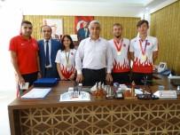 MİLLİ ATLETLER - Başkan Çalışkan, Şampiyon Milli Sporcuları Ödüllendirdi