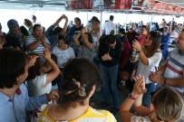 BOĞAZ TURU - Engelliler Boğaz Turunda Doyasıya Eğlendi