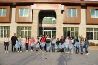 MUSTAFA POLAT - Gençler, Çevre Temizliği Yaptı