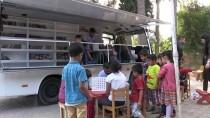 GEZİCİ KÜTÜPHANE - Minibüsle Köy Çocuklarına Kitap Taşıyorlar