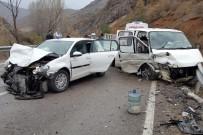 TAFLAN - Gümüşhane'de İki Ayrı Trafik Kazasında 9 Kişi Yaralandı