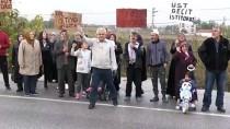 Balıkesir'de Geçit İsteyen Mahalleliler Yol Kapatma Eylemi Yaptı