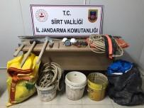 GAZ MASKESİ - Siirt'te 'Kral Mezarlığında' Kazı Yapan 6 Kişi Yakalandı
