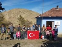 YURTKUR - Yurtkur Öğrencilere El Uzattı
