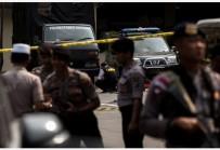 CANLI BOMBA - Canlı bomba saldırısı: 6 yaralı