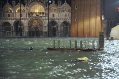 Şiddetli Yağışlar Venedik'i Vurdu Açıklaması 2 Ölü