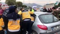 FATIH YıLMAZ - Karabük'te 3 Kişinin Yaralandığı Kaza Anı Kameraya Yansıdı