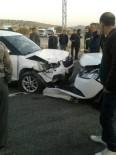 Mardin'de İki Araç Çarpıştı Açıklaması 1'İ Ağır 5 Yaralı