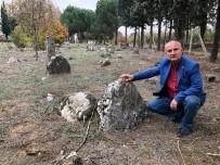 OSMANLıCA - Bu Köyün Her Yerinden Tarihi Mezar Fışkırıyor
