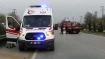 Düzce'de Otomobille Tır Çarpıştı Açıklaması 1 Yaralı