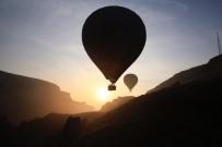 Kayseri'de Sıcak Hava Balonları Gökyüzüyle Buluştu