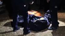 GAZ MASKESİ - Antalya'da Çiftçi Evinde Ölü Bulundu