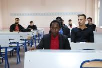 DIALLO - Gine'li Öğrenci Ömer Halisdemir Lisesinden Mezun Olup Üniversitesinde Okuyor