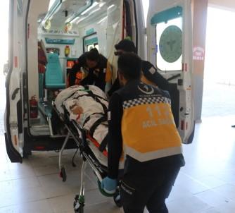 Sivas'ta Trafik Kazası Açıklaması 5 Yaralı
