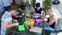 KıZKALESI - Yabancı Öğrenciler, Çevre Bilinci Oluşturmak İçin Kızkalesi'nde Sahil Temizliği Yaptı