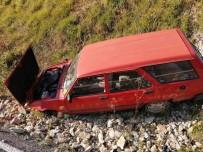 Yoldan Çıkan Otomobil Şarampole Yuvarlandı Açıklaması 1 Yaralı