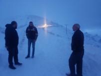 MURAT ZORLUOĞLU - Trabzon'un Yüksek Kesimlerinde Kar Yağışı Sonrası Mahsur Kalan Şahıslar Kurtarıldı