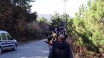 KARATEKIN ÜNIVERSITESI - Çankırı'da Öğrenciler Mesire Alanında 5 Ton Çöp Topladı