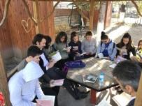 MUHAMMED ÇETIN - Kaymakam Çetin Öğrencilerle Birlikte Kitap Okudu