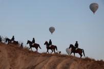 Atlı Jandarma Turistlerin Gözdesi Oldu